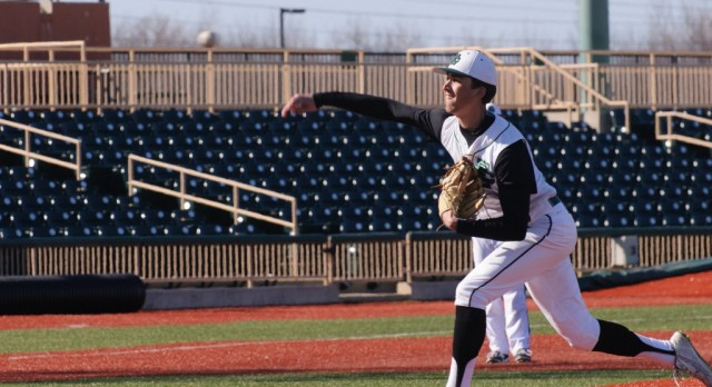 Baseball Team Defeats Defending State Champs, Advances to Elite Eight