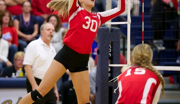 Volleyball wins opener vs. CP
