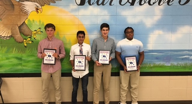 Boys Tennis Present 2016 Awards