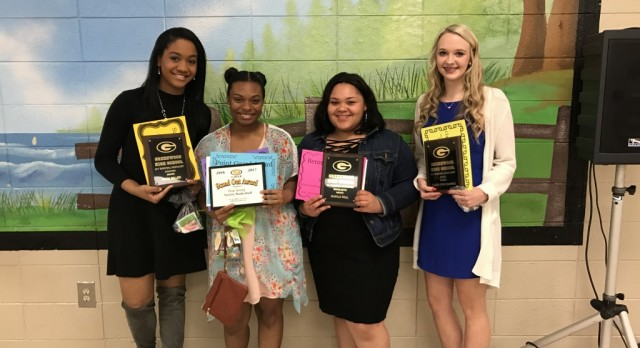 2016 – 2017 FOOTBALL & BASKETBALL CHEER AWARD WINNERS