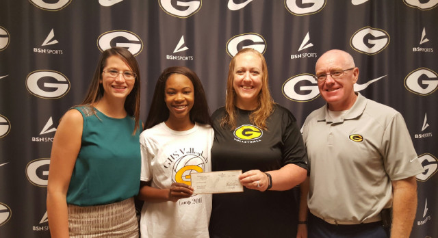 VOLLEYBALL PLAYER RECEIVES DONATION FROM HER TEAM!