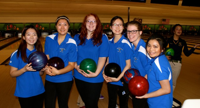 Varsity Bowling finishes 3rd place