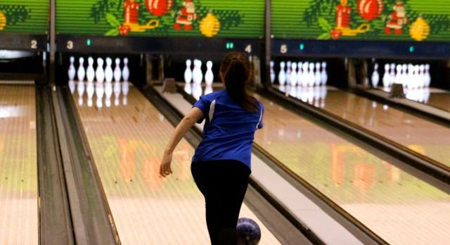 Girls Varsity Bowling beat FHN 24-6