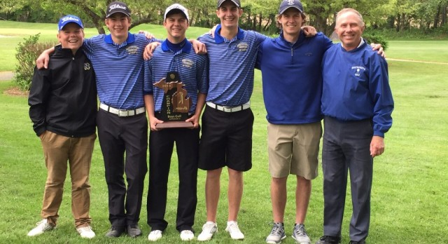 Golf team wins District Title at Silver Lake