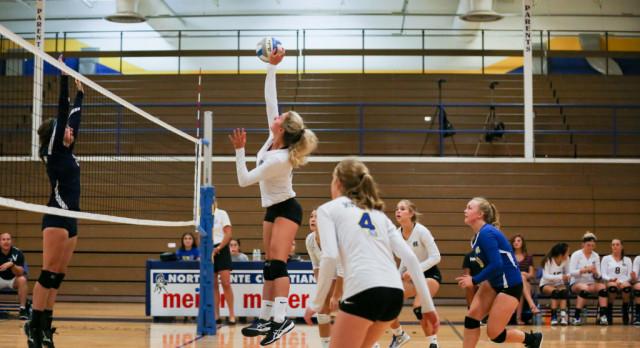 Varsity Volleyball beats Hopkins 3-2