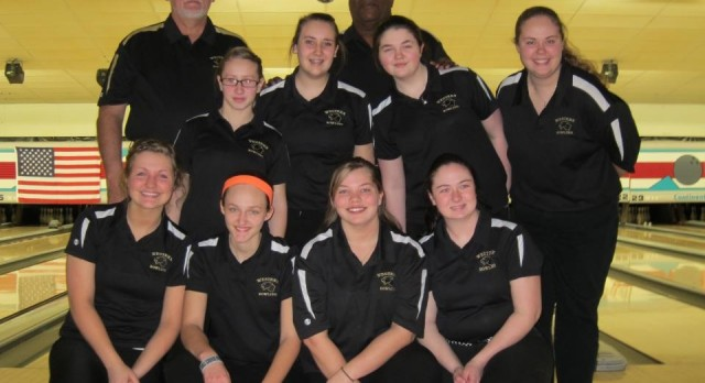 Girls Bowlers Take 3rd at Regionals