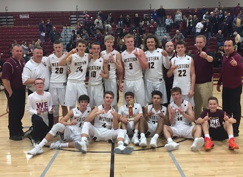 Varsity Boys Basketball Ends Season 16-5! Thank you Seniors!