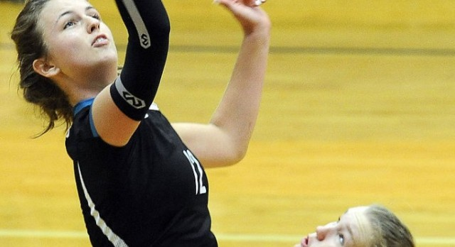 Volleyball Shuts out HRHS