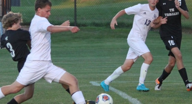 Soccer defeats Wayland, stays alive in OK Gold title chase