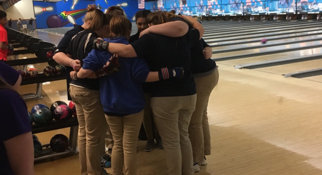 Girls Bowling beat Wyoming 27-3