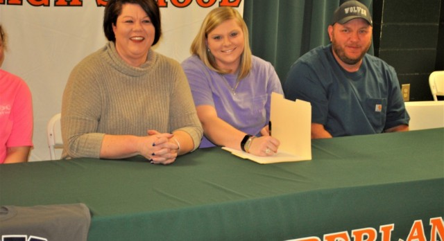 Haley Welch Signs with Florence-Darlington Tech