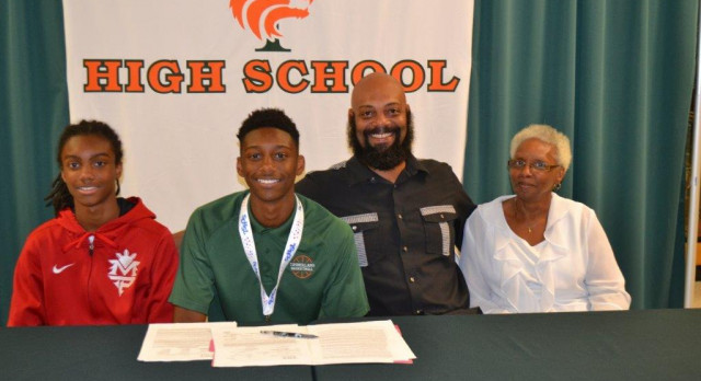 Anderson Signs with Coker College