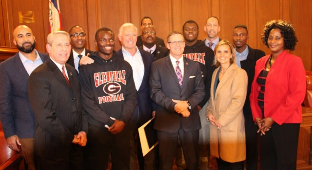 """Tarblooders Meet and Present A """"Thank You"""" To Jimmy Haslam"""