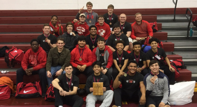 Boys Powerlifting takes 1st at the YOE Invitational
