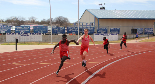 Track and Field places well in all divisions at Cove Bulldawg Relays