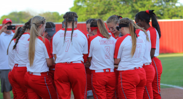 Midway locks top playoff seed after 7-1 win over Lady Tigers