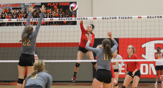 Lady Tigers varsity VB sweeps Gatesville in three games