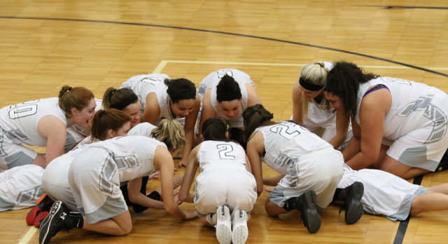 Girl's Basketball moves to 3-0