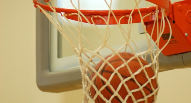 Basketball teams travel to Robertsdale for Thanksgiving tournament