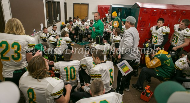 Northridge High School Varsity Football beat Leo 9-7