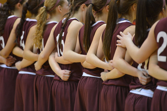 Girls Hoop to Play in MASS/CONN Challenge