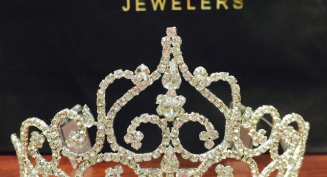 Crowning at 6:15 Friday