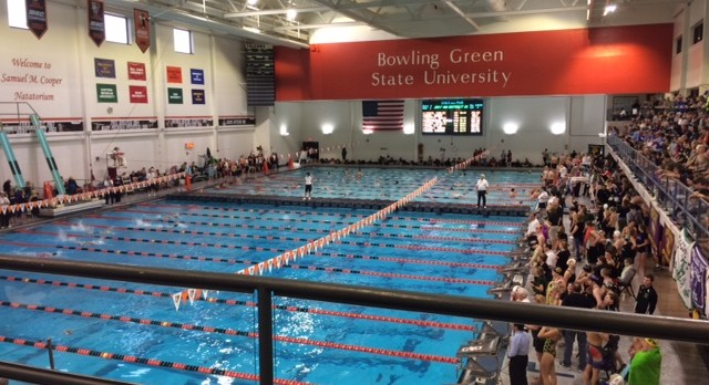 Swimming & Diving Finishes 4th In District; Qualify 5 To State Meet