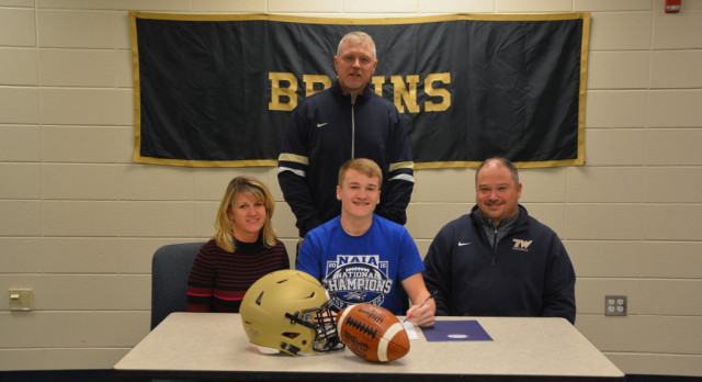 Derek Lucas Signs with University of St. Francis