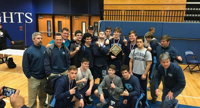 Wrestling sends 10 to State Finals