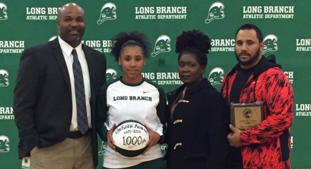 Che'Kasha Andrews hits 1,000 point milestone