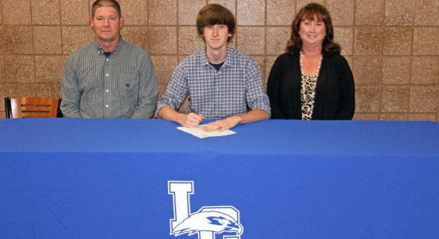Brandon Hurt signs with Lawrence University