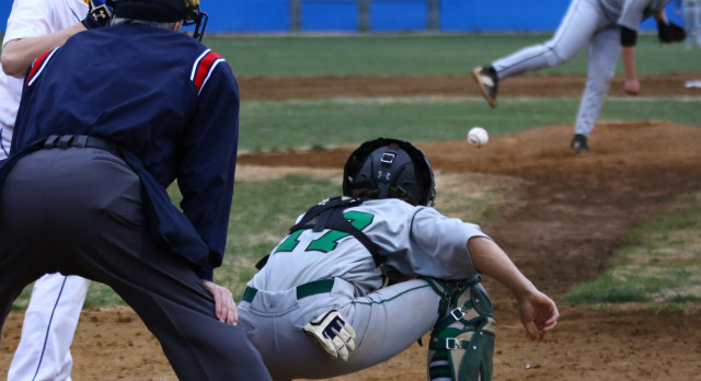 Wakefield High School Varsity Baseball falls to Stuart 4-2