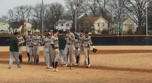 Wakefield High School Varsity Baseball beat Marshall 4-3