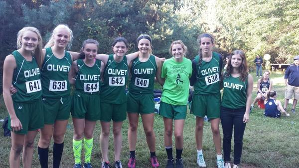 Olivet Girls Take First at Perry Invitational