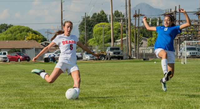 Bear River High School Girls Varsity Soccer beat Ben Lomond High School 5-3