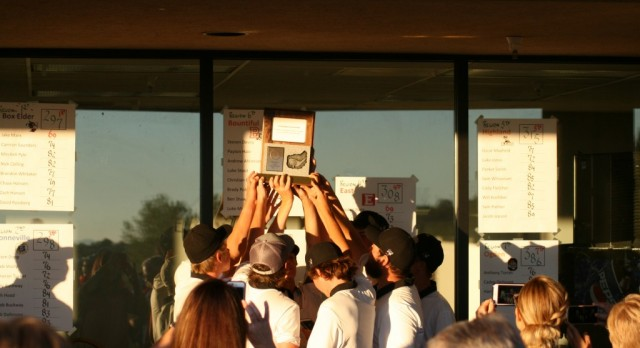 Boys Golf Team Wins Region