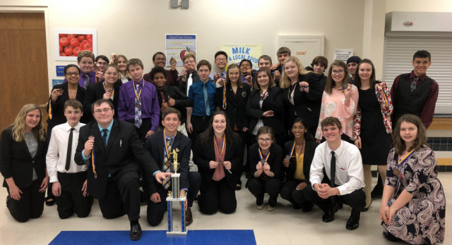 PHS Debate Takes First at Parsons Tourney