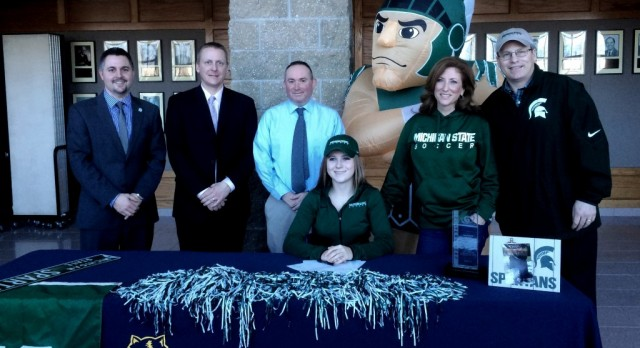 Jones Signs to Michigan State