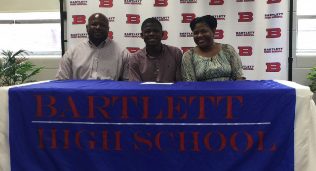 Panthers' Darion Allen Inks With St. Mary