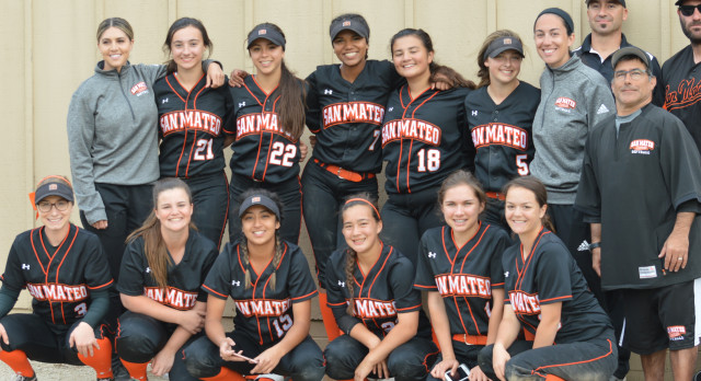 San Mateo High School Varsity Softball beat Salinas High School 7-0