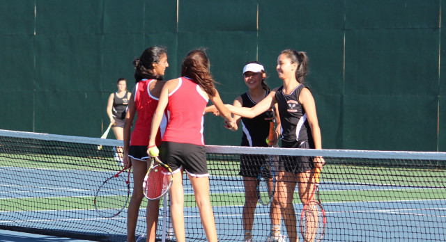 San Mateo High School Girls Varsity Tennis beat Aragon High School 5-2
