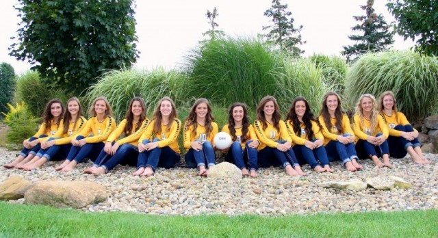 Varsity Volleyball Finishes 4-1 in Saline