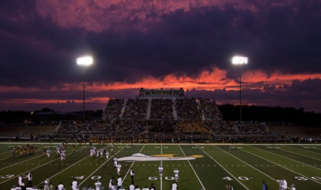 Hudsonville Varsity Football Defeats Grand Ledge in Season Opener 21-14