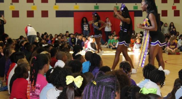 EISD Has Cute Kids…. Cheerleaders and Football Team Visit Elementary Schools: Pics….