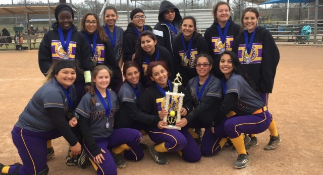 Softball Girl's: Champs of the Cowtown Classic!!