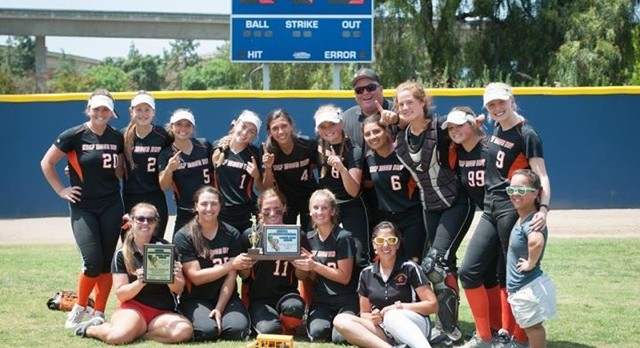 Half Moon Bay Captures CCS DIII Softball Title