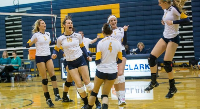 Comet Volleyball Advances to Saturday District Championship Game