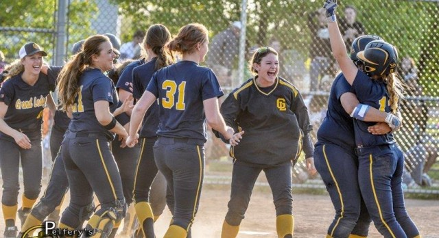 Softball Advances to District Semi-Final with Win over B.C. Lakeview