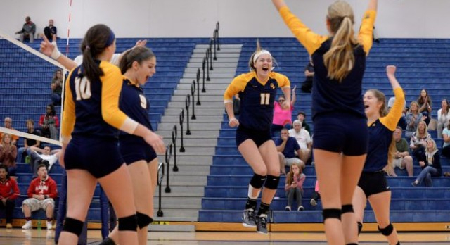 Comets vs. Trojans Tonight in Volleyball District Semi-Final at DeWitt