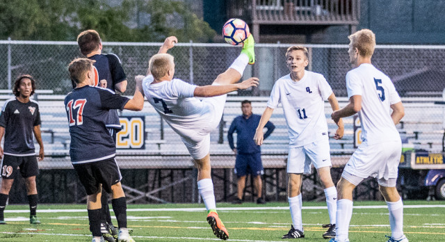 Offense Leads Comet Soccer in Home Win over Everett